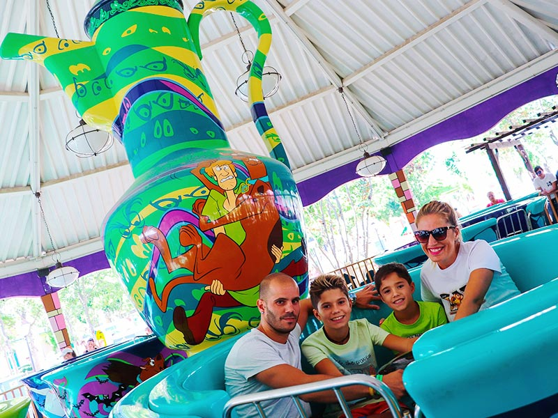 Scooby Doo´s Tea Party Mistery Atracciones Parque Warner Madrid principal